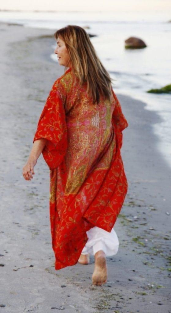 kimono made of recycled sidensaris