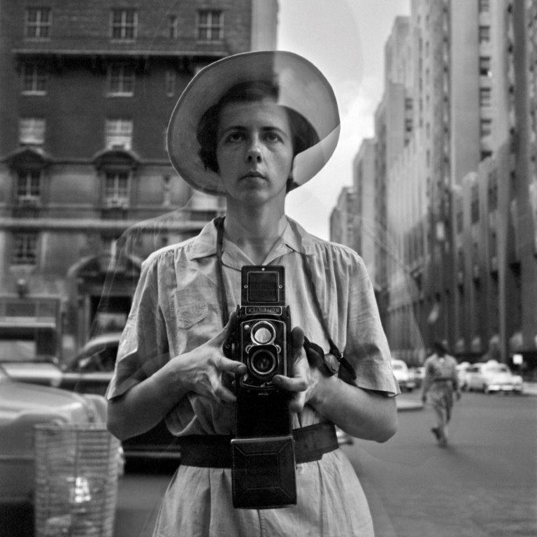 Fabriken Bästekille Vivian Maier Self-portrait New York 1954 ©Estate of Vivian Maier, Courtesy of Maloof Collection and Howard Greenberg Gallery NY