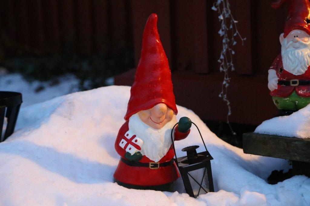 En fin julafton önskar jag Er.