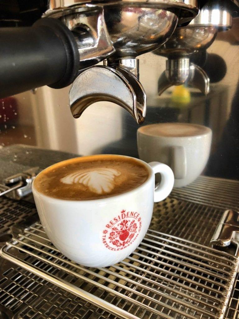 En cappuccino på Tastecelebration Residence