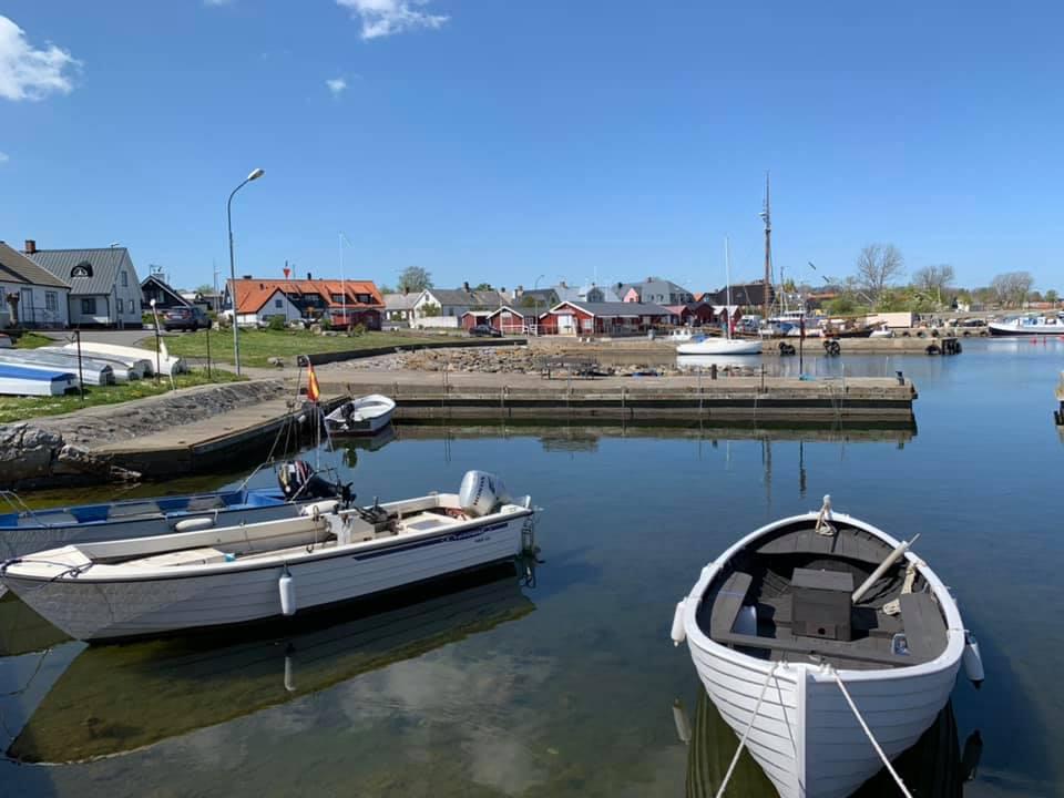 Brantevik Södra hamnen utifrån piren, 3 min från konsertarenan, Branteviks IP Foto BMNorelius 2018