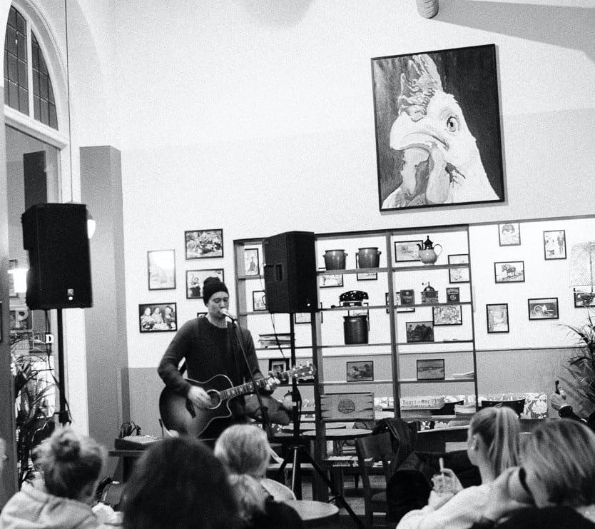 Mat Musik Jonathan Wallin visits Buhre's österlen.se