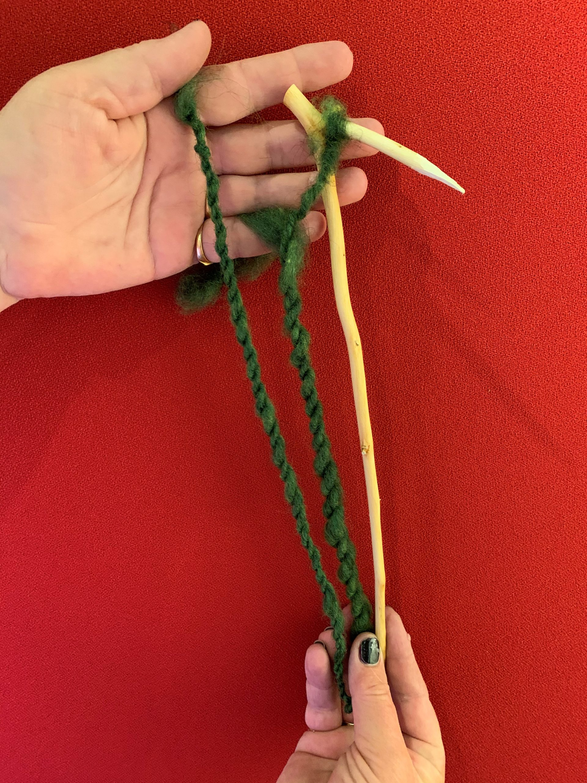 October 28, 2020 Österlen's museum Spin with a spinning hook and create with wool thread scaled österlen.se