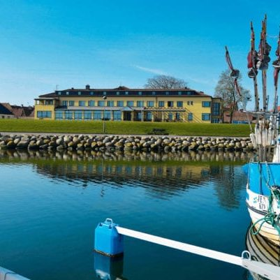 Hotel Svea in Simrishamn seen from the marina.
